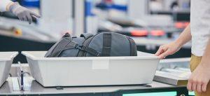 Sicherheitsbereich am Flughafen birgt Infektionsgefahr