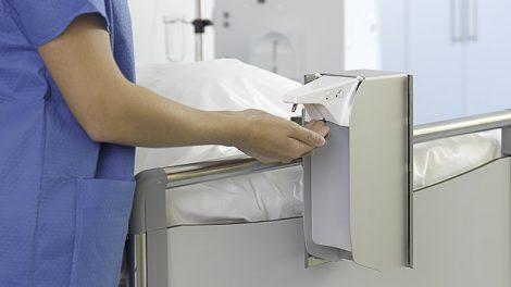 Desinfektionsmittelspender in Patientennähe